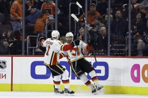 Brodie's OT goal leads Flames past Flyers 3-2