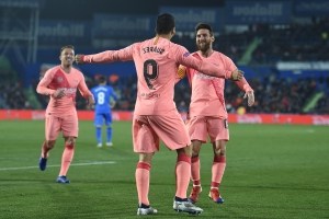 Messi pass, Suárez rocket have to be seen to be believed, FC Barcelona starts new year with a bang