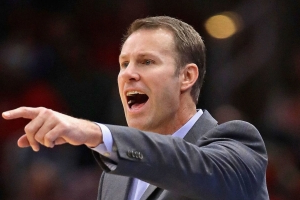 Report: T-Wolves considering Hoiberg for GM or coach