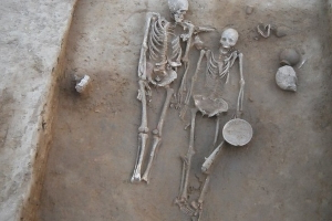 India mystery skeleton of ancient 'couple'