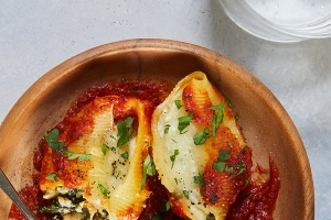 Slow-Cooker Stuffed Shells