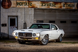 This Totally Modernized 1969 Pontiac Trans Am Firebird was Built at Home!