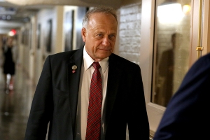 Steve King identifies himself as a 'nationalist,' defends earlier comments