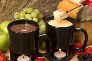 This $15 Fondue Set Is The Cutest Valentine's Day Activity If You're Not Trying To Spend A Ton