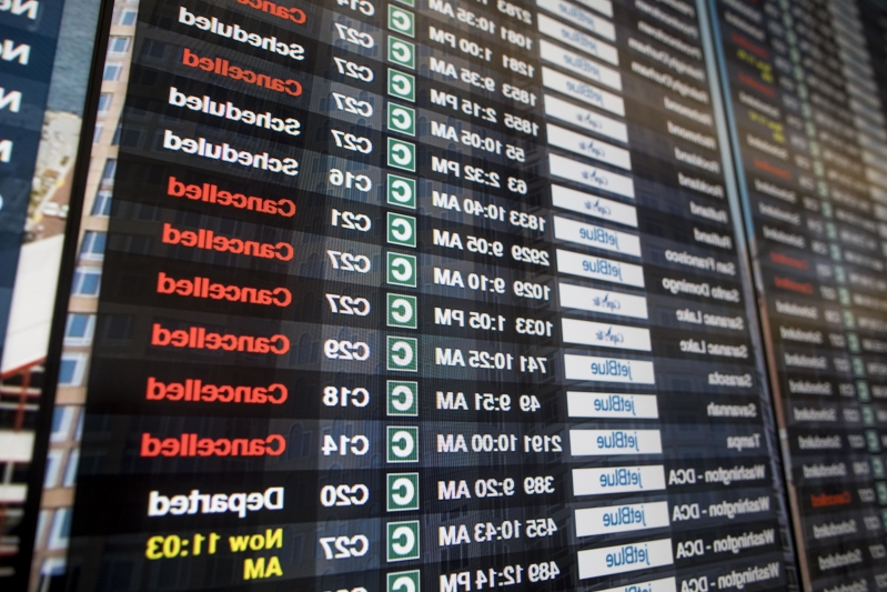 Airlines begin waiving change fees ahead of Winter Storm Gia