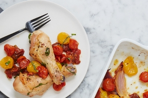 Roasted Drumsticks with Tomatoes