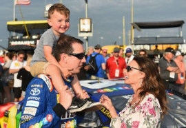 6 couples to share $100,000 from Kyle, Samantha Busch 'Bundle of Joy' fund