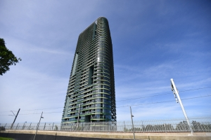 Builder faces angry Opal tower owners