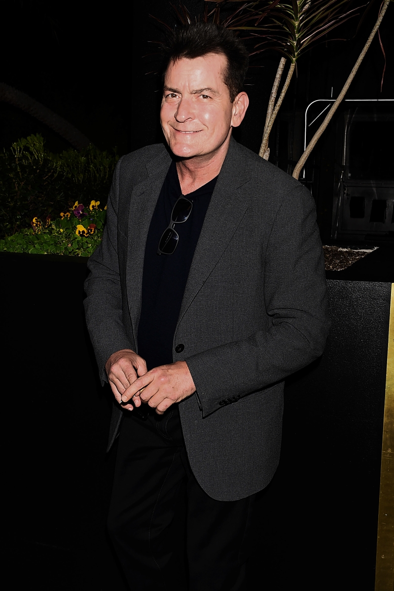 Charlie Sheen moves to save his house from foreclosure