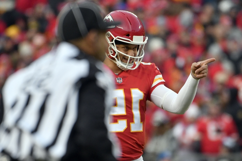 Colts defense faces different kind of test against Patrick Mahomes, Chiefs aerial attack