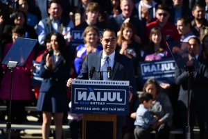 Julián Castro announces his candidacy for president