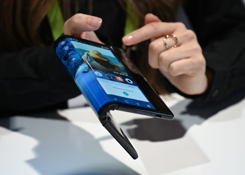 CES 2019: The future of phones is... foldable?