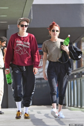 Kristen Stewart works up a sweat at the gym with new love Sara Dinkin after split from Stella Maxwell