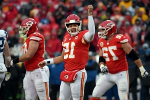 Opinion: Patrick Mahomes turns into the exorcist for Kansas City Chiefs in win over Colts
