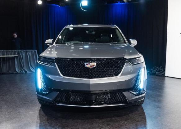 Auto Shows 2020 Cadillac Xt6 Revealed Ahead Of The Detroit Auto