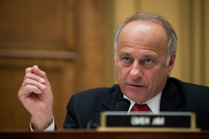 House Dems wrestle with issuing harsher punishment for Steve King