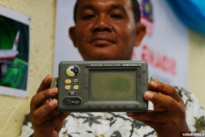 'This is where MH370 crashed': Fisherman claims he SAW plane go down and recorded the EXACT location on GPS, saying: 'It moved like a broken kite... no noise, just smoke'