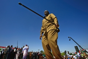 Sudan reinforces Khartoum ahead of march