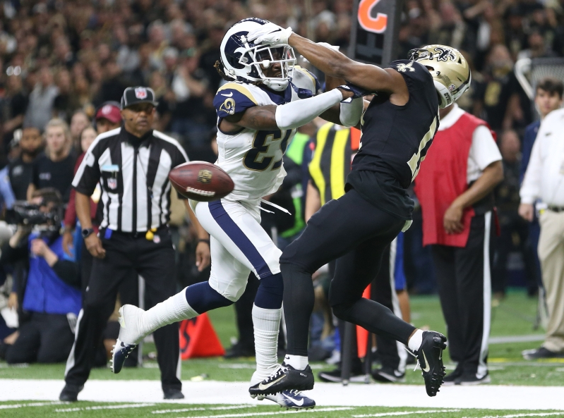 49938d48243 Sport: Watch: Officials miss blatant pass-interference call on the ...