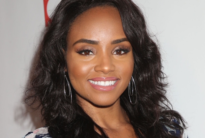 Batwoman Pilot Adds Teen Wolf Alum Meagan Tandy, Two More to Cast