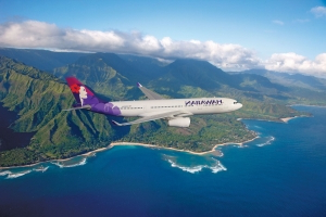 Flight attendant dies of apparent heart attack on Hawaiian Airlines flight
