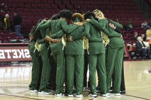 Baylor at top of AP women's basketball poll for 1st time in 6 years