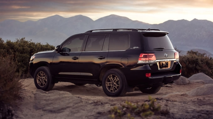 2020 Toyota Land Cruiser Heritage Edition Gets Bronze Bling