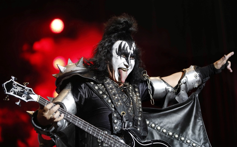 Entertainment Ace Frehley Accuses Gene Simmons Of Groping His Wife
