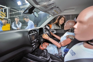 Hyundai creates the world's first multi-collision airbag system