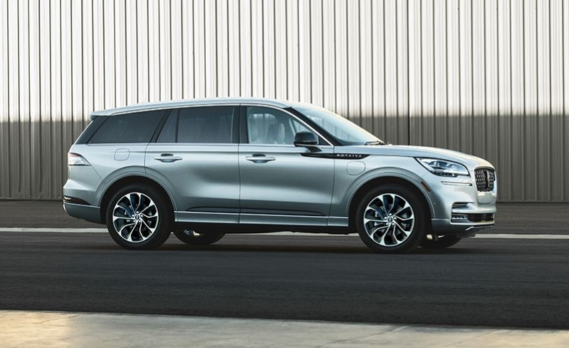 Reviews The 2020 Lincoln Aviator Starts At 52 195 And Can Cost