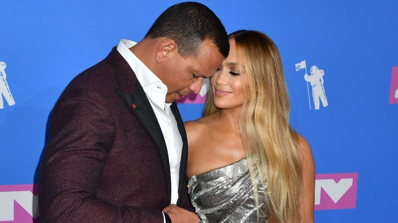 Jennifer Lopez Says Alex Rodriguez Makes Her Feel 'Like a Teenager' in Anniversary Post