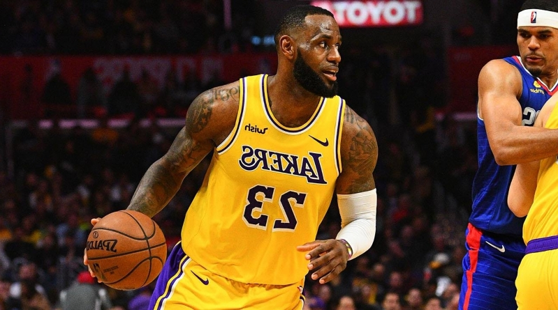 be736e95e Sport  LeBron James Becomes Fifth Player in NBA History to Score ...