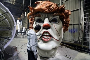 Trump to Be Paraded As Creepy Clown Effigy In France