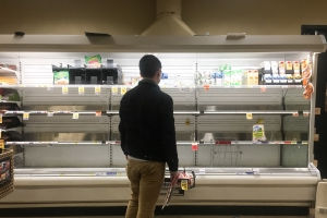 'Combat shopping': Mayhem at Seattle stores as shoppers clear shelves pre-snow storm