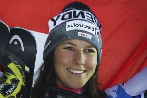 Holdener retains Alpine combined title at skiing worlds