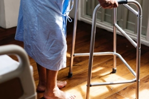 Federal Government commits to 'significant' $662 million aged care funding boost