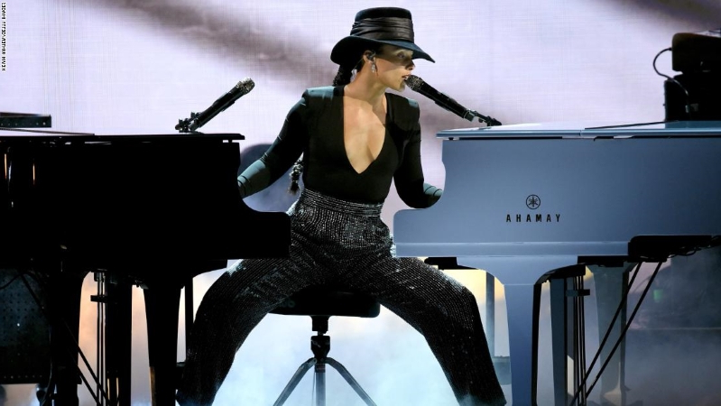 Alicia Keys hits perfect notes as Grammys host