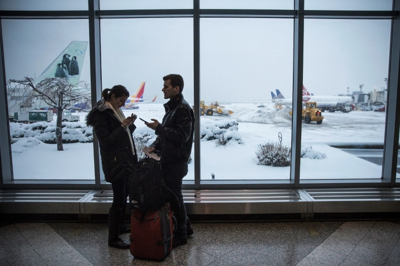Flying During This Week's Snowstorms? 6 Airlines Have Weather Waivers at 40 Airports