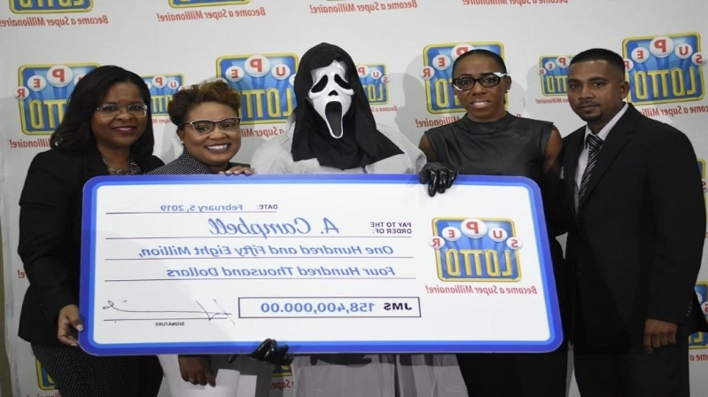 "Lottery winner claims prize in ""Scream"" mask to hide identity"