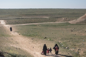 Civilians flee final territory held by ISIS
