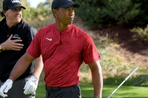 Woods finds inspiration in Mickelson's win at Pebble Beach