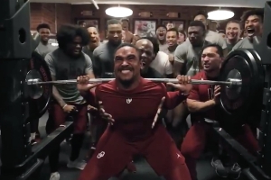 Jalen Hurts can squat roughly the weight of a black bear