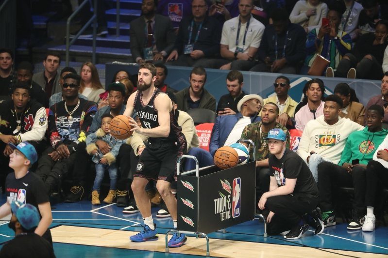 Sport: Joe Harris edges out Steph Curry to win 2019 3-Point Contest
