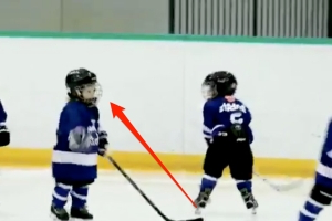 A hockey coach in Canada mic'd up his 4-year-old son to 'understand he was doing out there' and the results are adorable