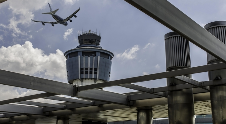 LaGuardia Flights Delayed Due to High Winds