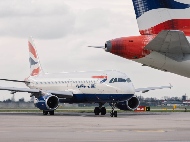 Travel: Dramatic video shows a British Airways Airbus jet
