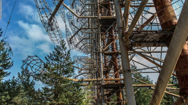 World: Duga radar: Enormous station is hidden in forests of