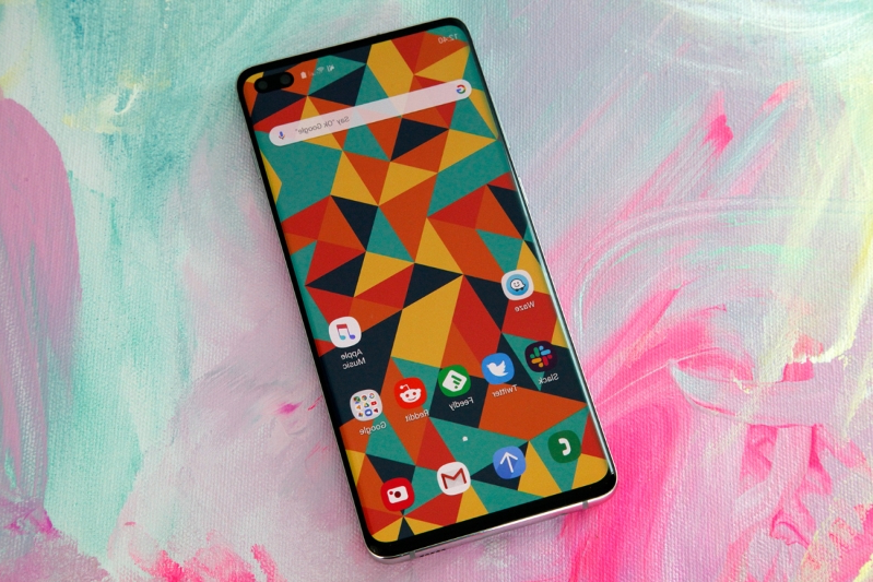 The Galaxy S10 is already inspiring some killer smartphone wallpapers