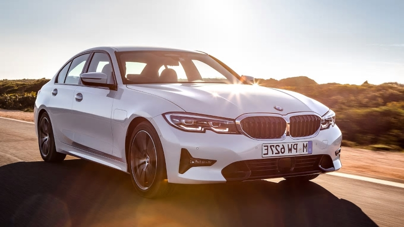 2020 BMW 330e Plug-In Hybrid First Drive: The 3 Series of PHEVs