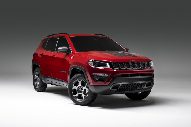 Jeep will offer Renegade and Compass PHEVs for 2020